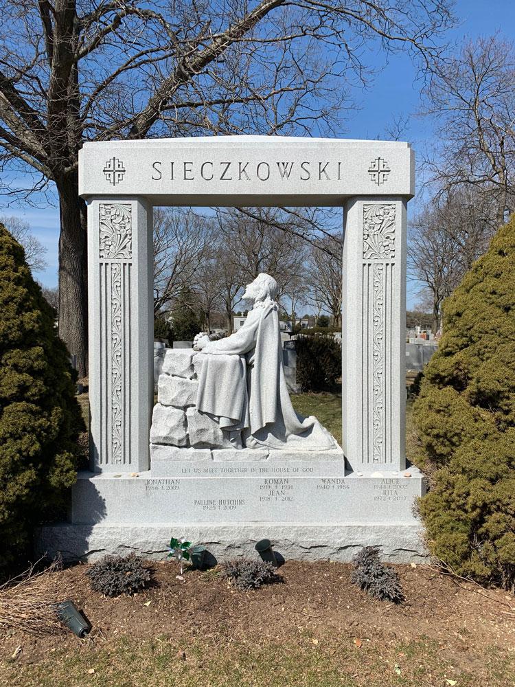 Hand Carved - Sieczkowski